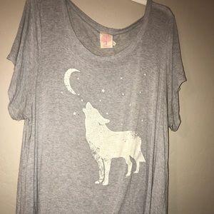 Wolf and moon tee